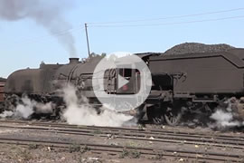 Link zum Video »Africa Steam 2011 - Garratt locomotives in Zimbabwe« auf YouTube